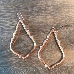 Jewelry - Rose gold drop earrings